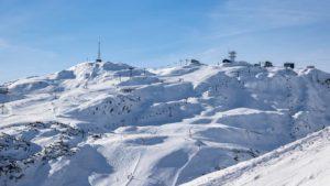 96 turistas encontrados em estância de ski na Áustria a infringir regras