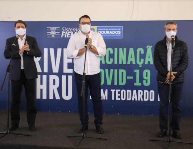FIEMS em parceria com a prefeitura inaugura drive-thu de vacinas em Dourados