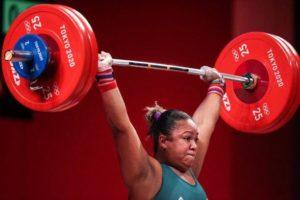 Jaqueline Ferreira fica em décimo segundo lugar na disputa do levantamento de pesos